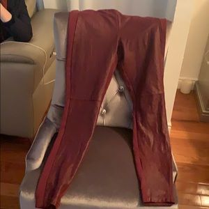 Skinny guess red wine pants